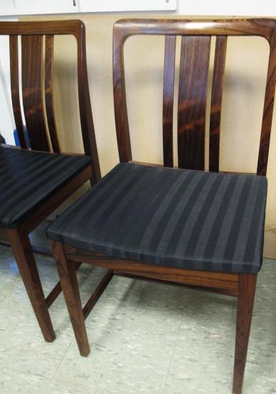 Omklädda stolar i tageltyg