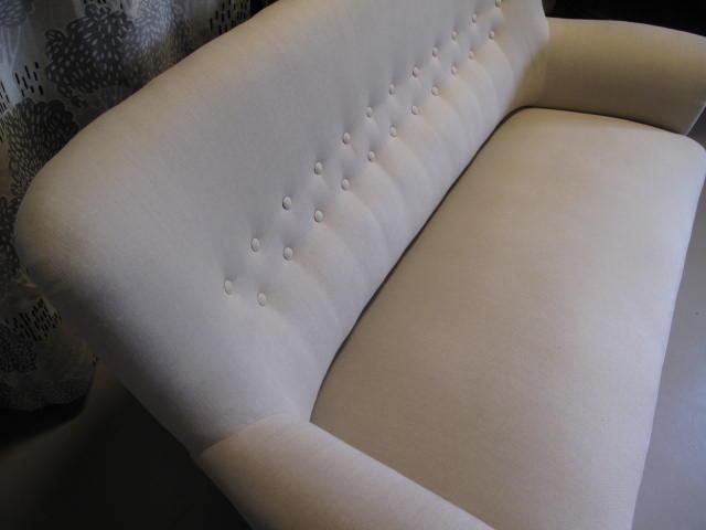 MöbeTapetseraren klär om soffa